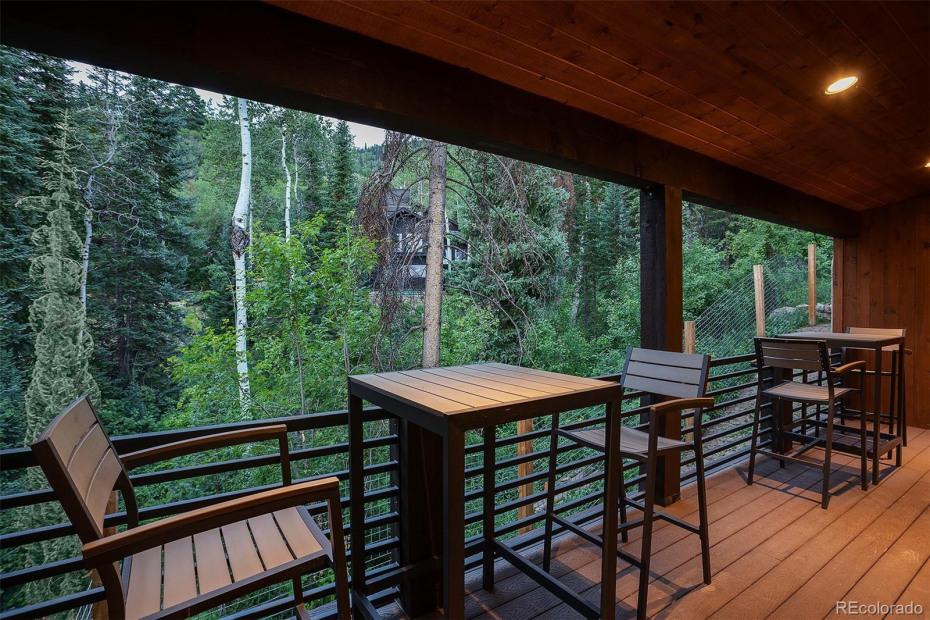 Outdoor Dining Balcony