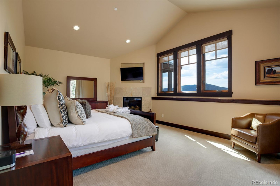 Junior Master Suite with Emerald View
