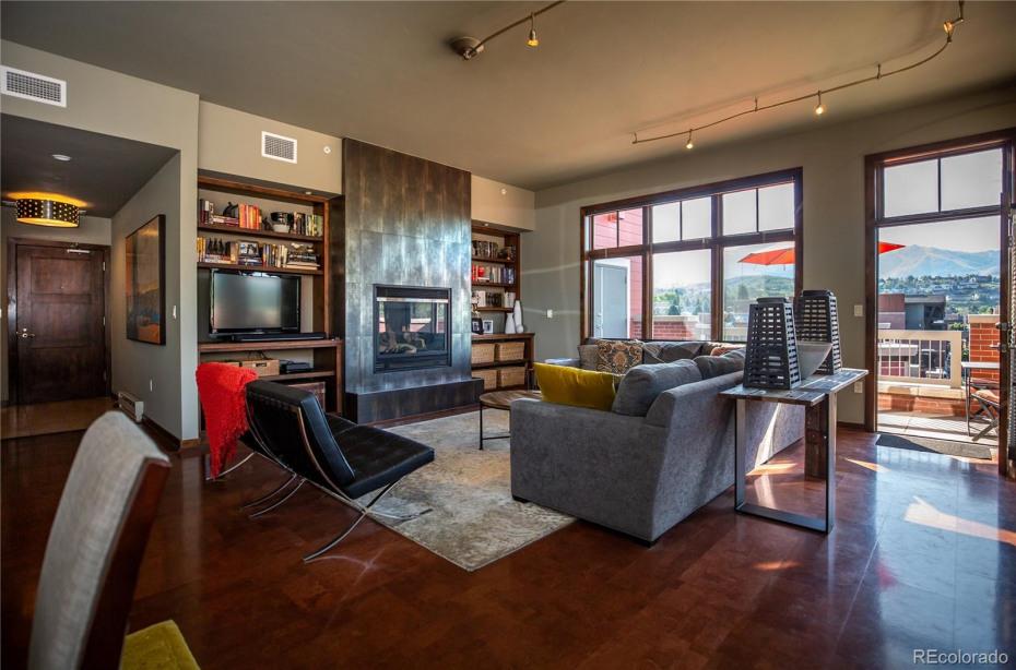 703 Lincoln Avenue Photo