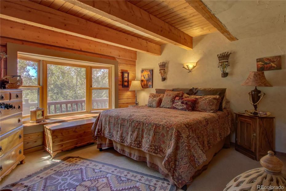 Upper Unit - Master bedroom