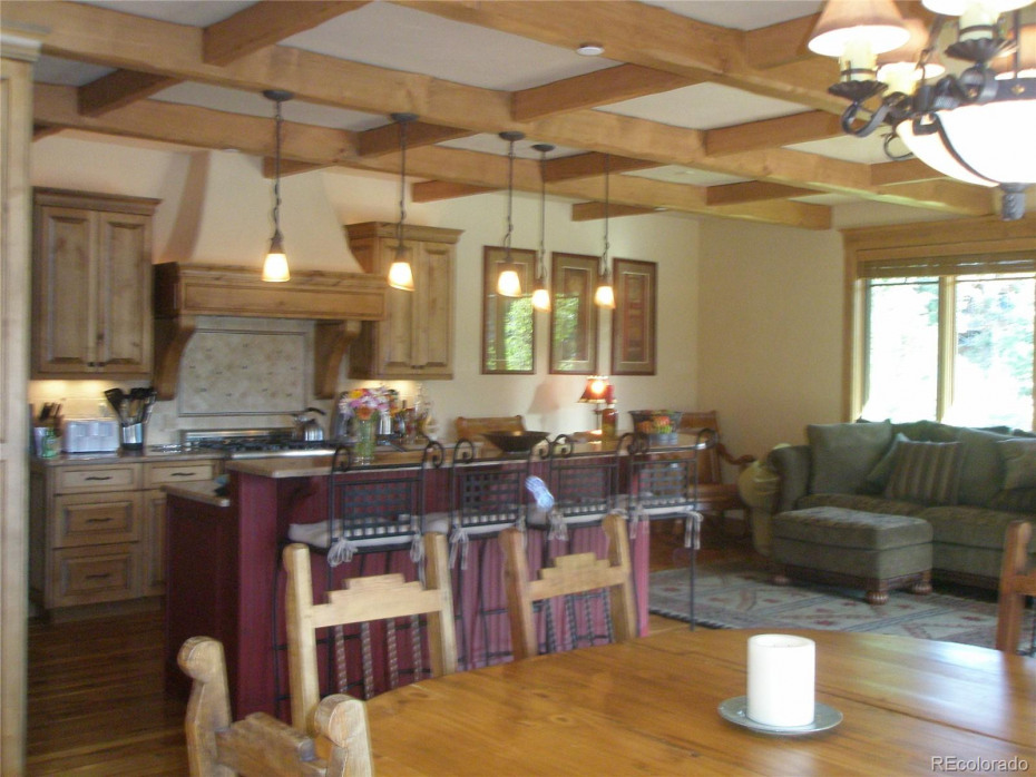 654 Retreat Place Photo