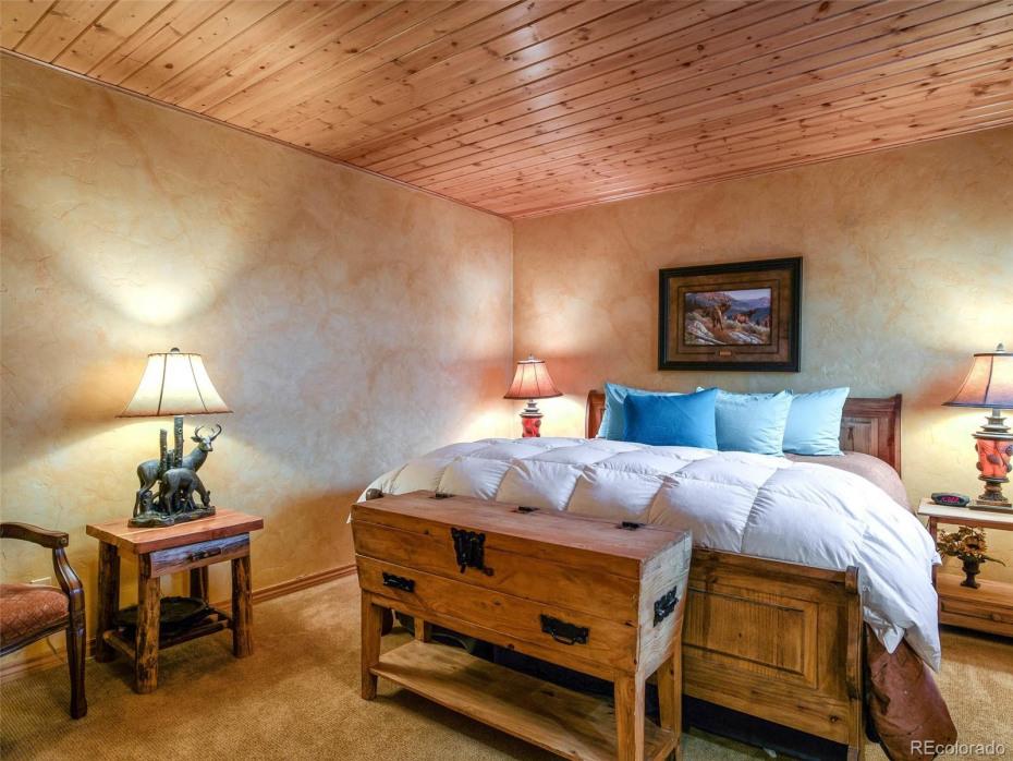 Lower Bedroom Jr. Master Suite