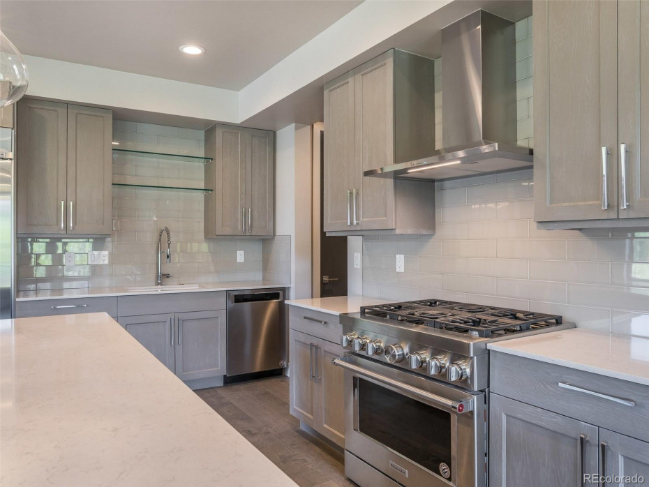 Mountain Traditional finishes and upgraded appliances in Unit T1 (sold)