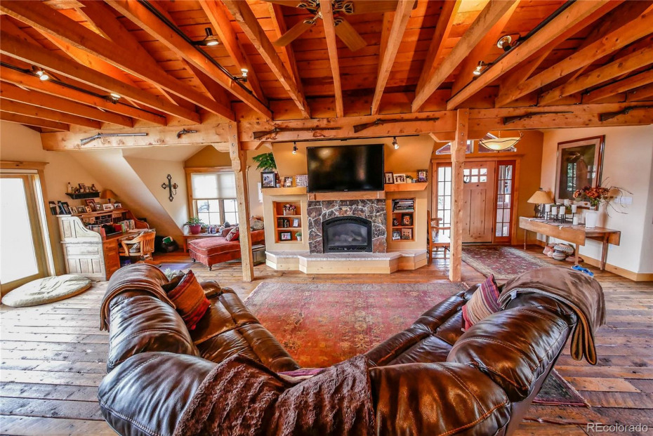 Main Floor Master with access to deck and future hot tub. Wonderful southerly views!