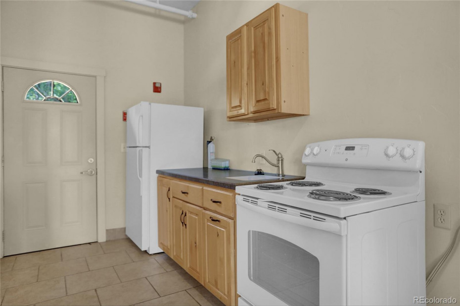 Unit 140 Kitchen