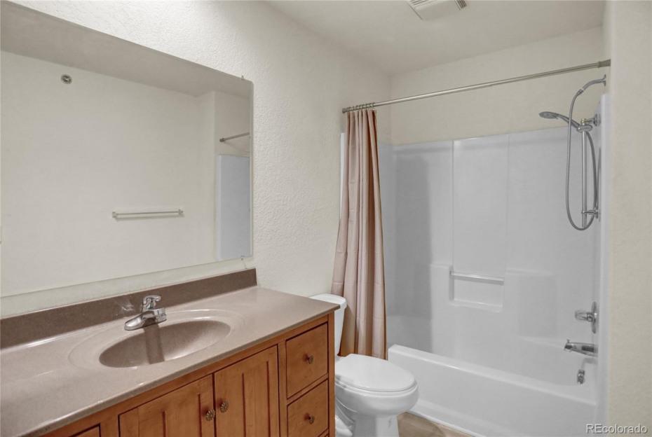 Unit 154 Bathroom