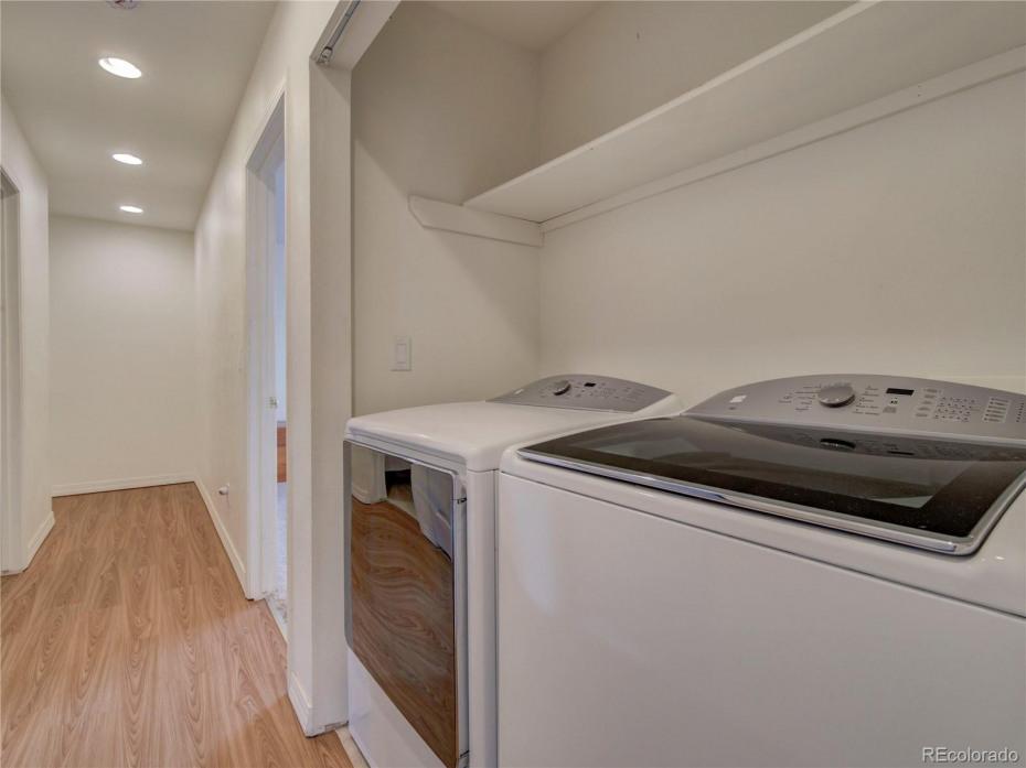 Upper level laundry closet - new washer & dryer