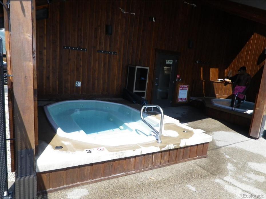 2 Hot tubs