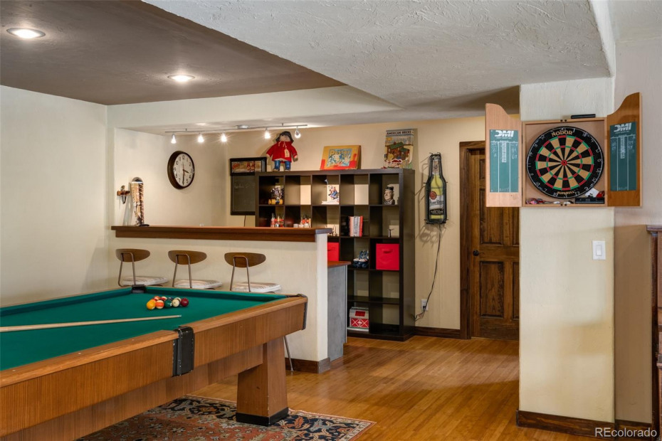 Game room and bar
