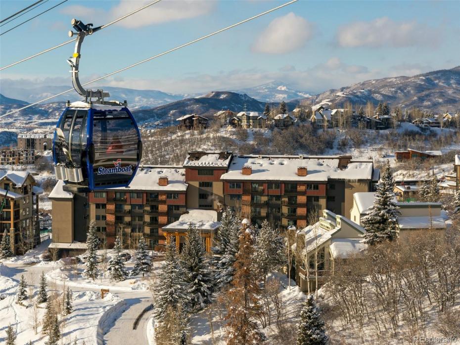 2420 Ski Trail Lane Photo