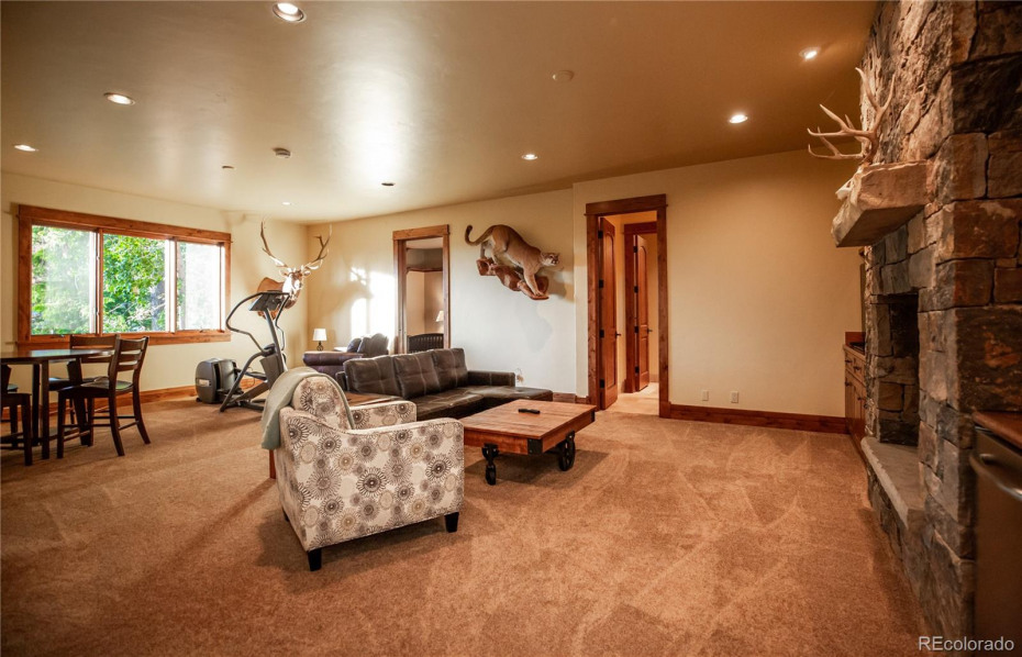 2501 Clubhouse Drive Photo