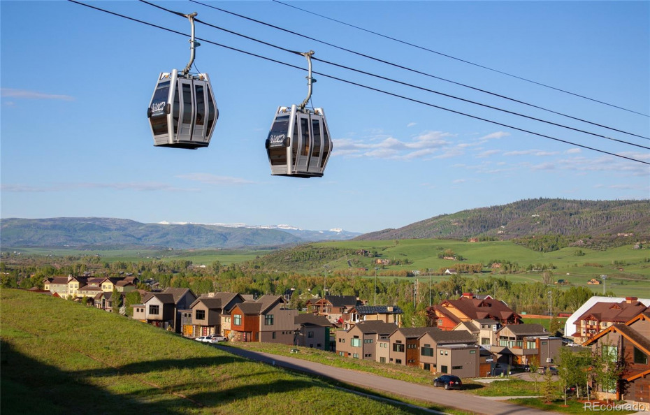 Easy access to the slopes from the Wildhorse gondola