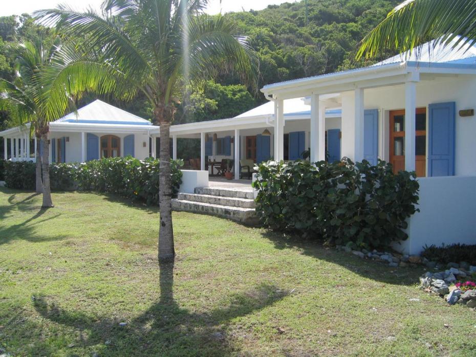 Sprindrift Lawn & Palm Trees