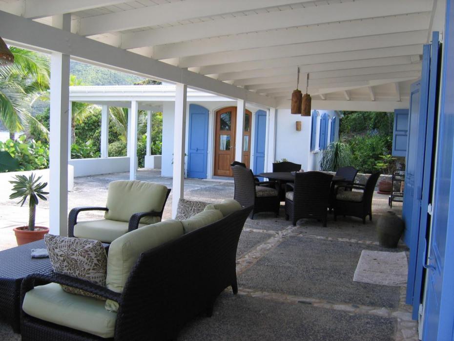 Outdoor Gallery & Master Suite Building