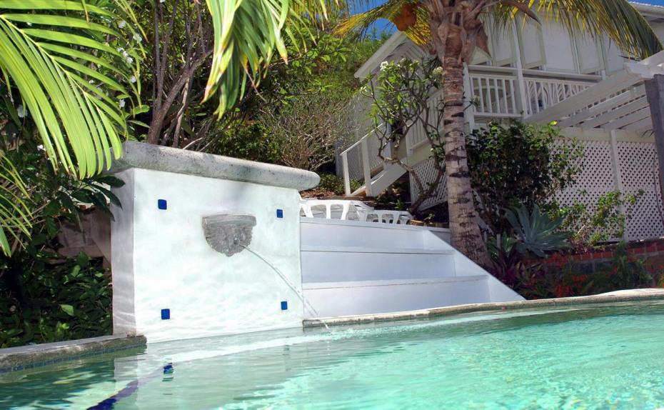 Six Palms Splash Pool
