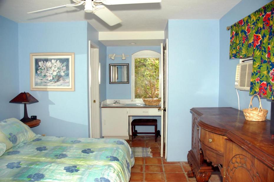 Lower Bedroom interior