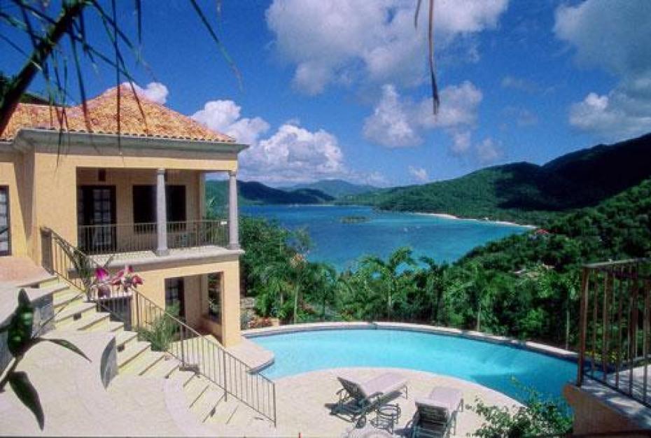 Coco de Mer Pool View