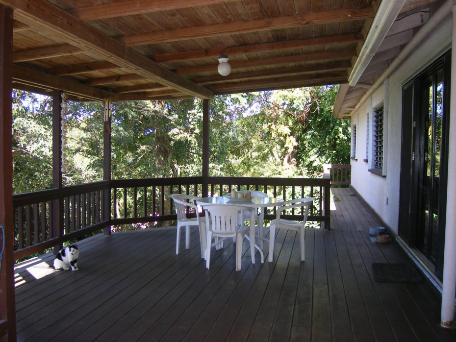 Covered dining deck