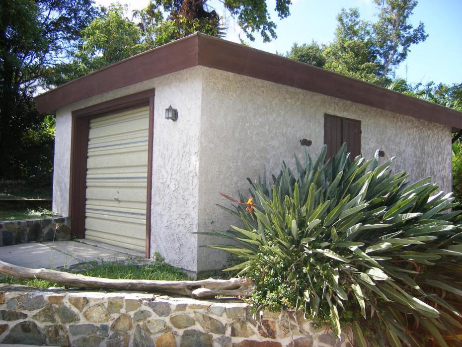 Separate (convertable) Garage