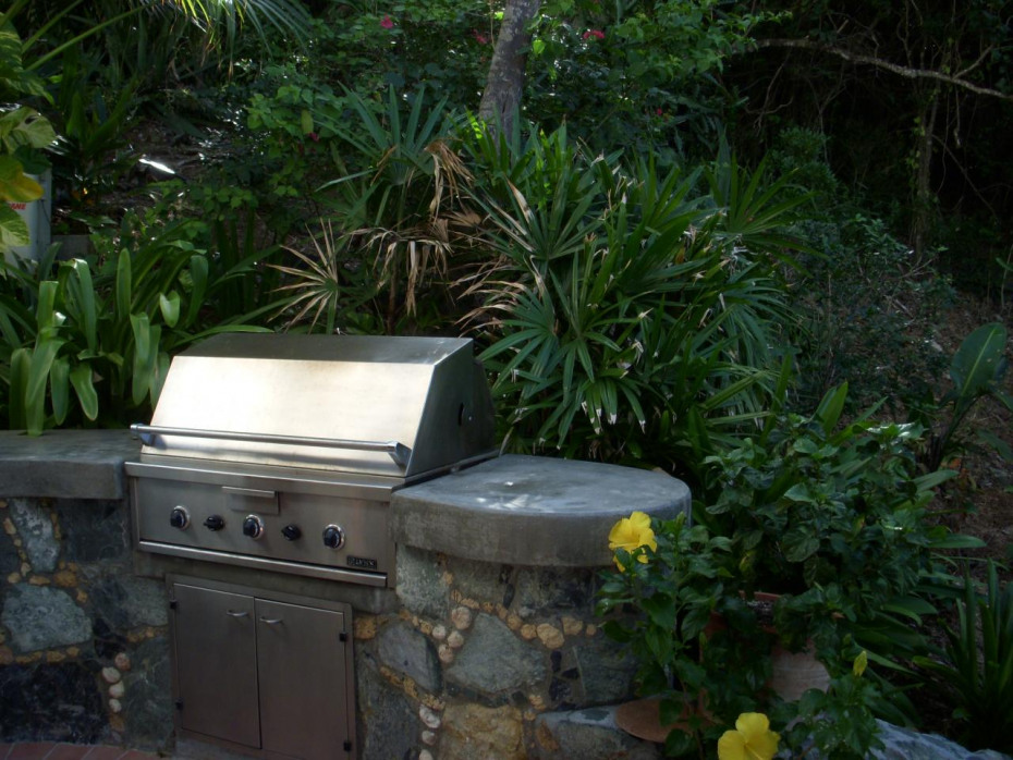 Built in barbeque court