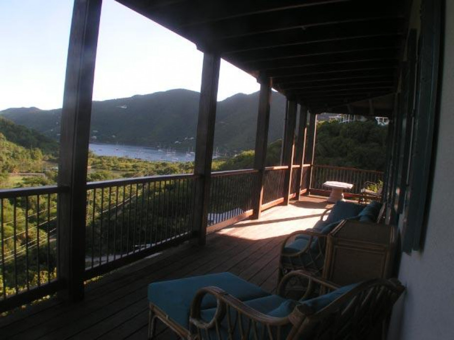 Upper deck with Coral Bay views