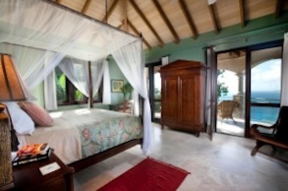 Lovango Master Suite