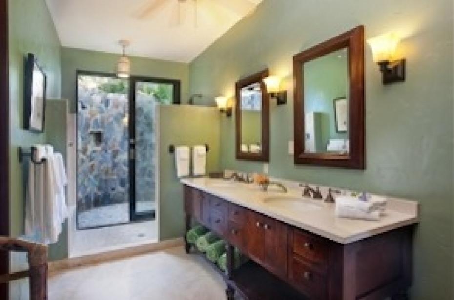 Lovango Master Bathroom