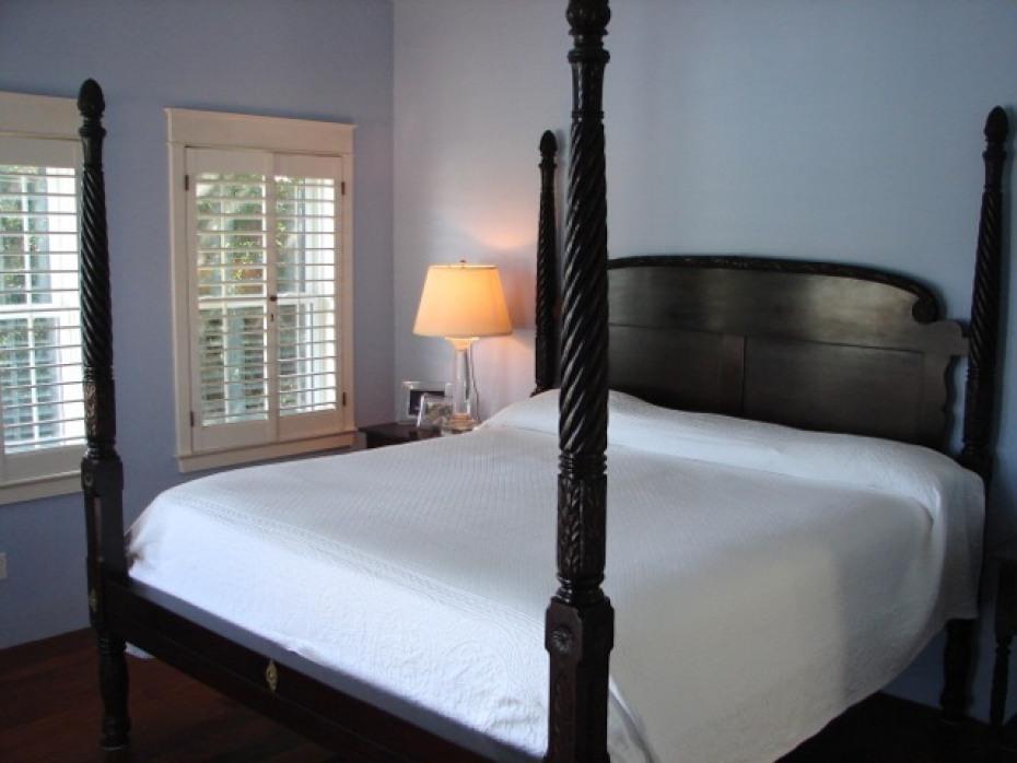 Master Bedroom w/exquisite 4-poster king