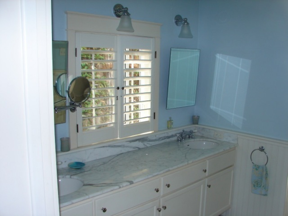 Soothing Master Bath w/marble counters