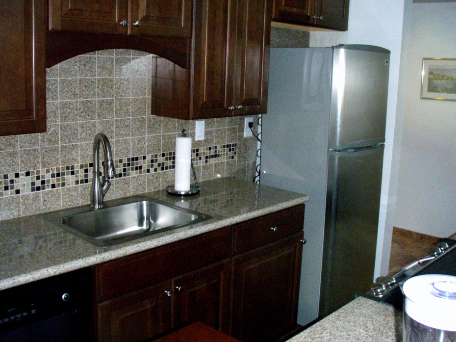 New kitchen cabinets and counter tops