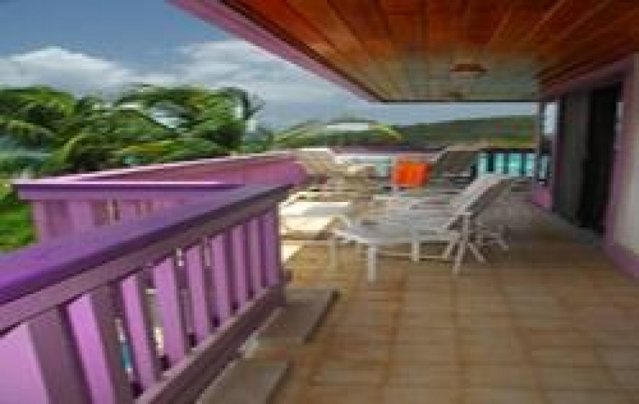 Side Deck and Furniture