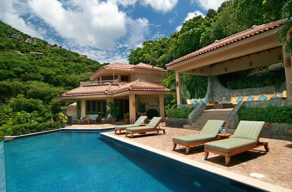Pool, Cabana, Living Area