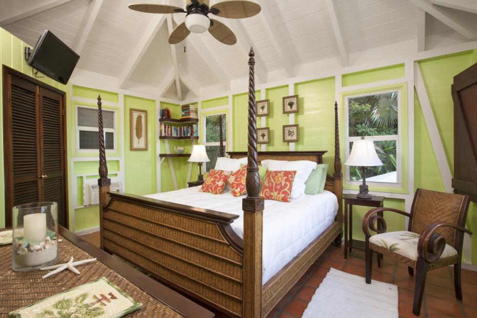 Florian Green Bedroom
