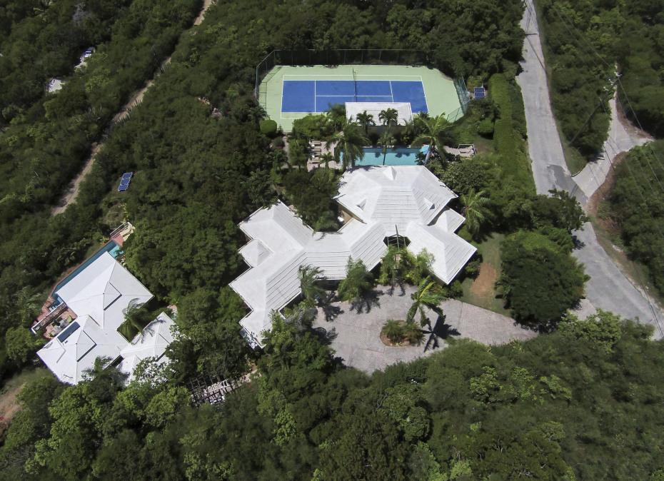 Bird's eye view Tennis Villa & Cottage