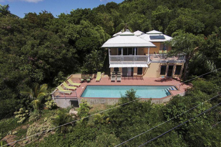 Cottage sun deck