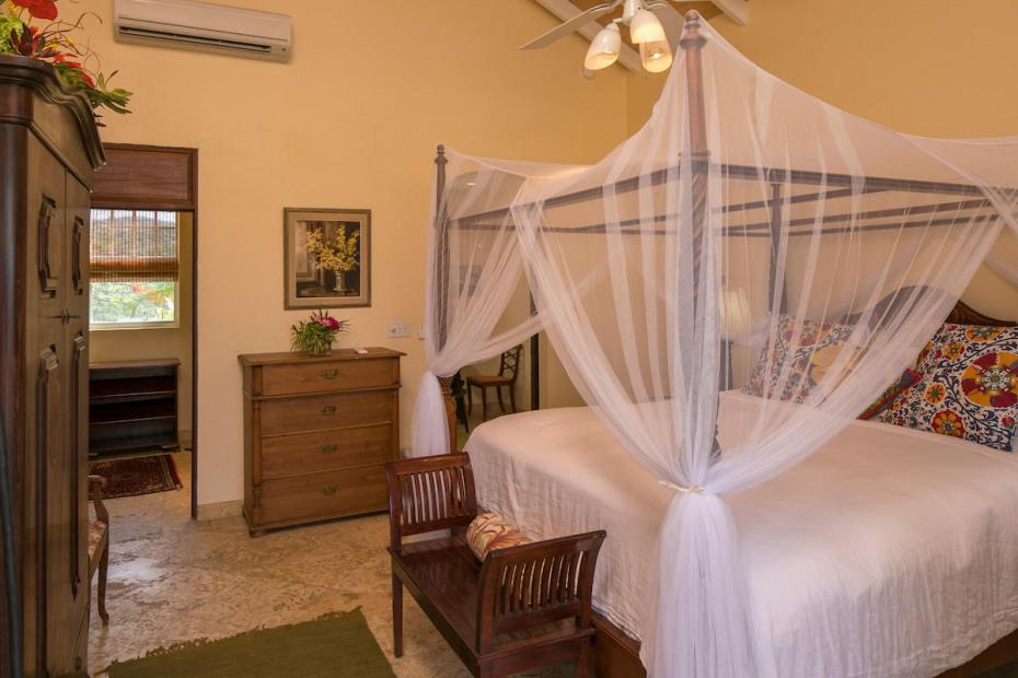 Lower level guest suite