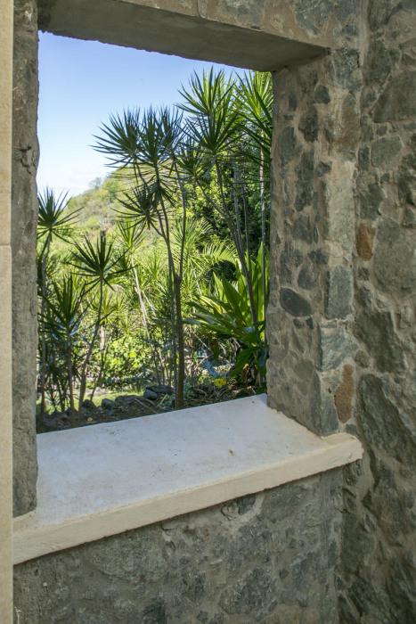 Native stone garden shower