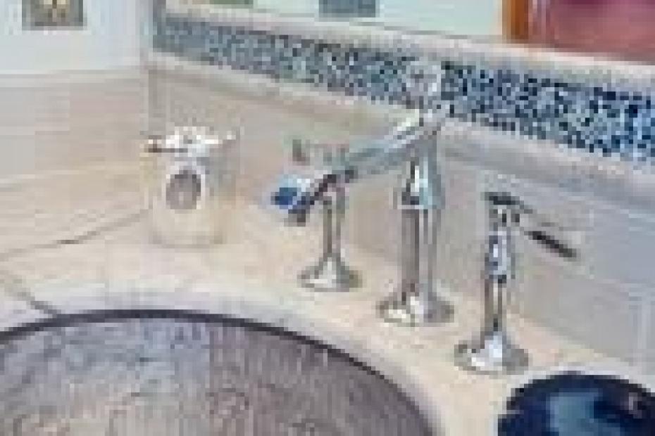 Bath with Glass Sinks