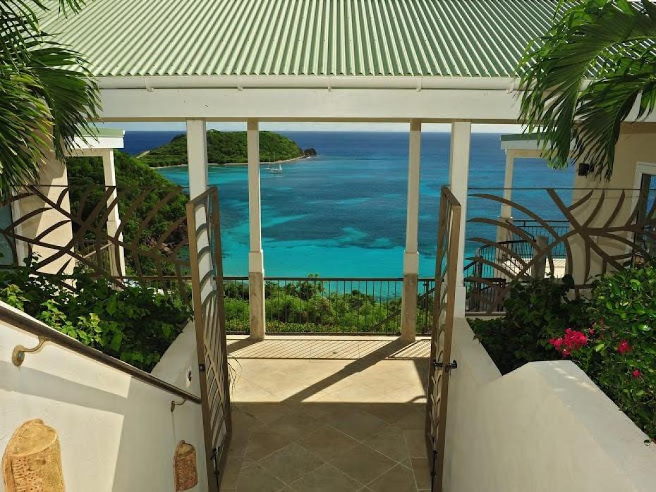 Entry to Villa Anansi