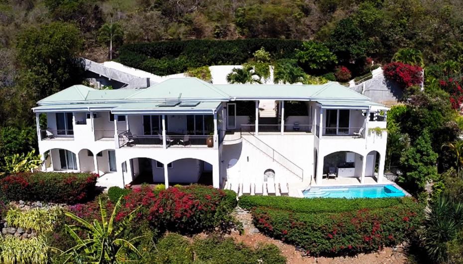 Villa Anansi
