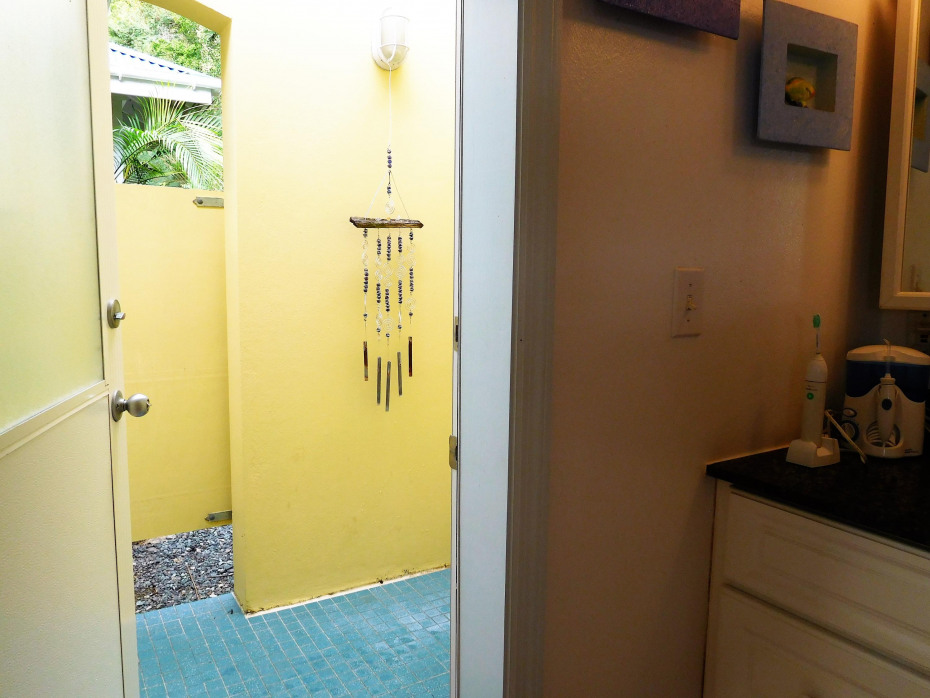 020 Outdoor Shower