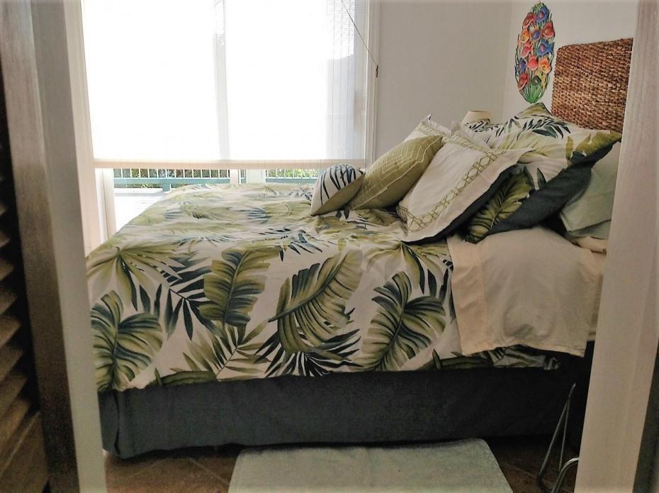 029 Apartment bedroom
