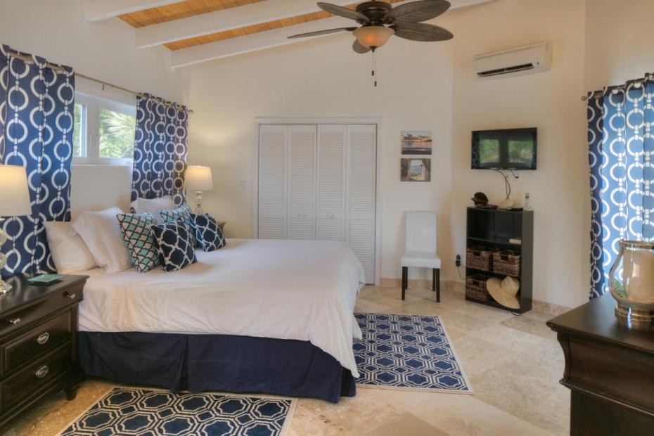 Upper Bedroom Suite