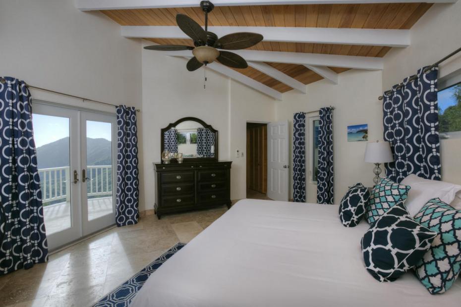 upper master bedroom suite