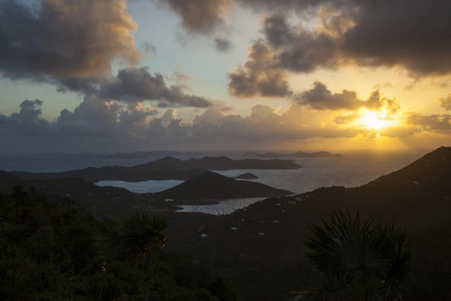 sunrisew over the ocean