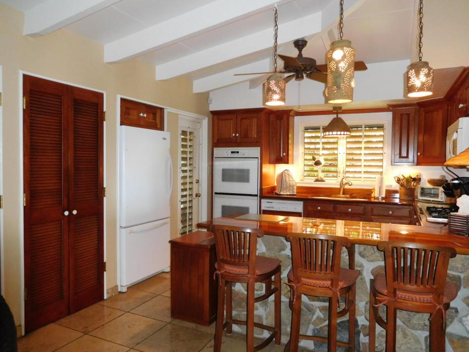 010 Kitchen