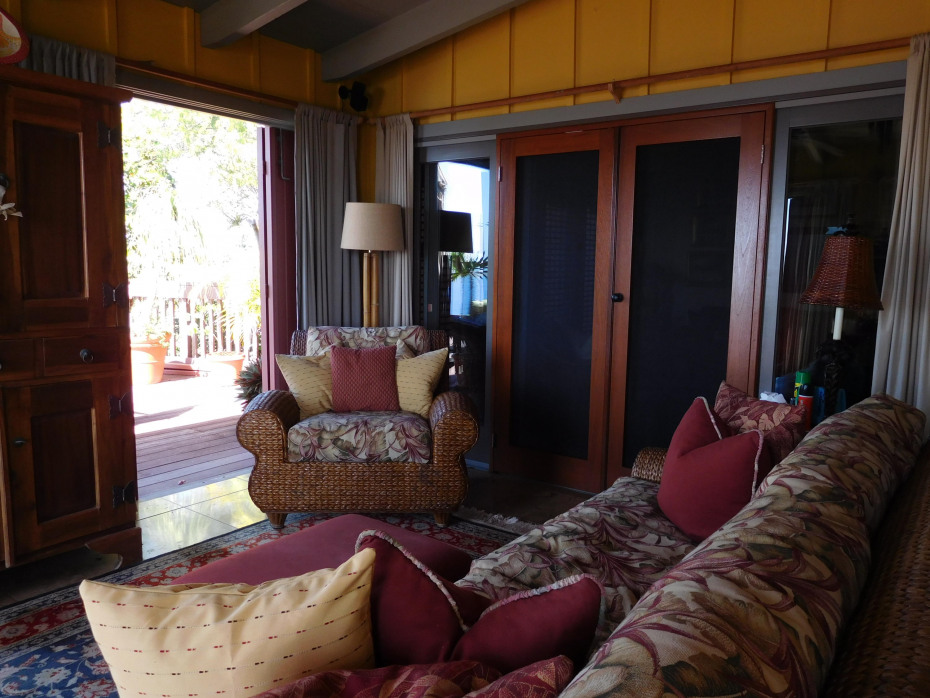 022 Outdoor living area