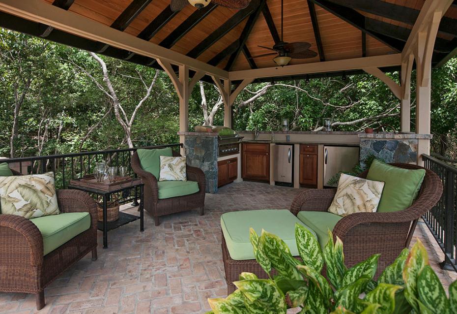Grand gazebo with outdoor kitchen