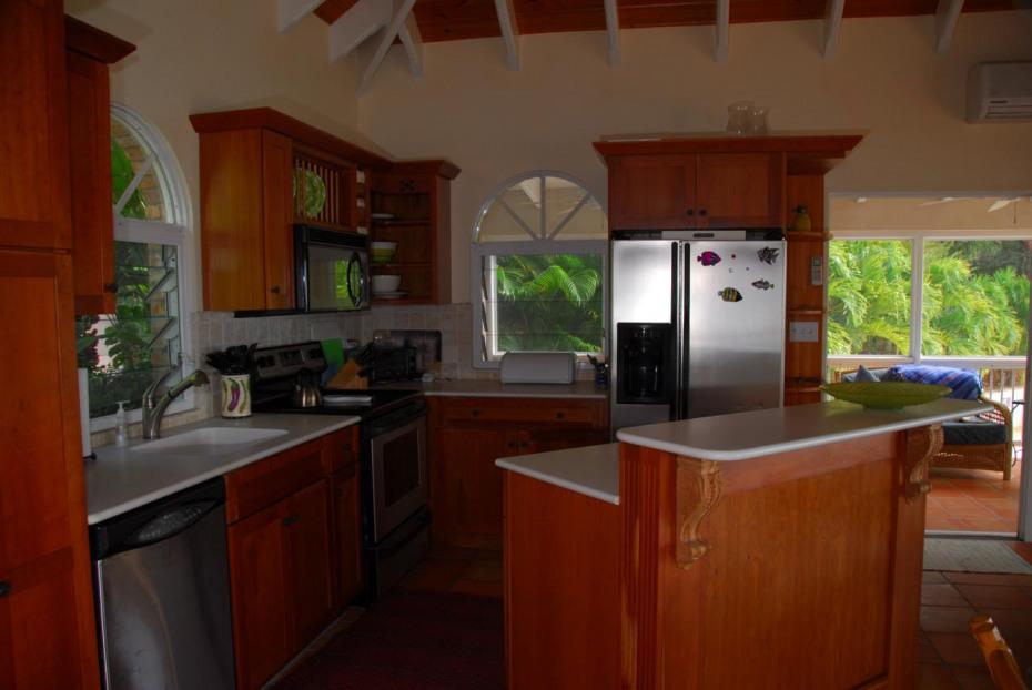 Gourmet Kitchen w/Cherry Cabinets