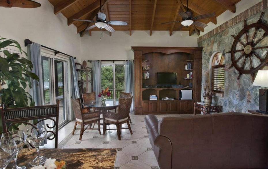 Upper Deck, Villa Madeline